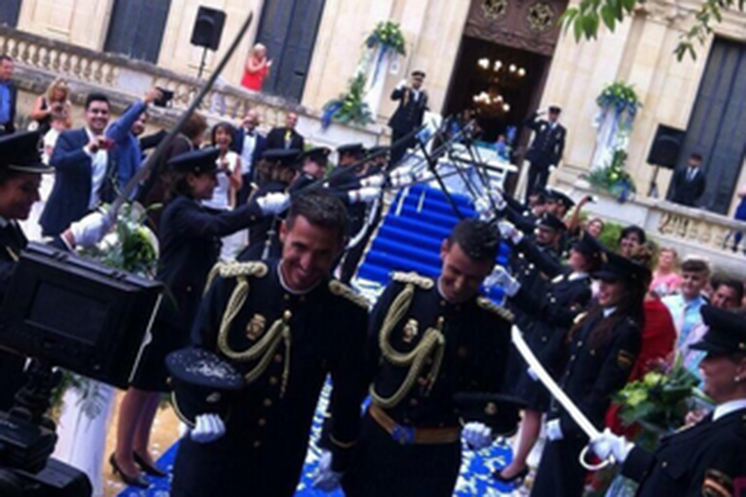 GoMadridPride_Gay_Police_Marriage_4_2015