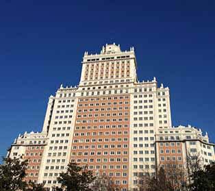 GoMadridPride_Madrid_Weather_Sunny_Blue_sky_2017