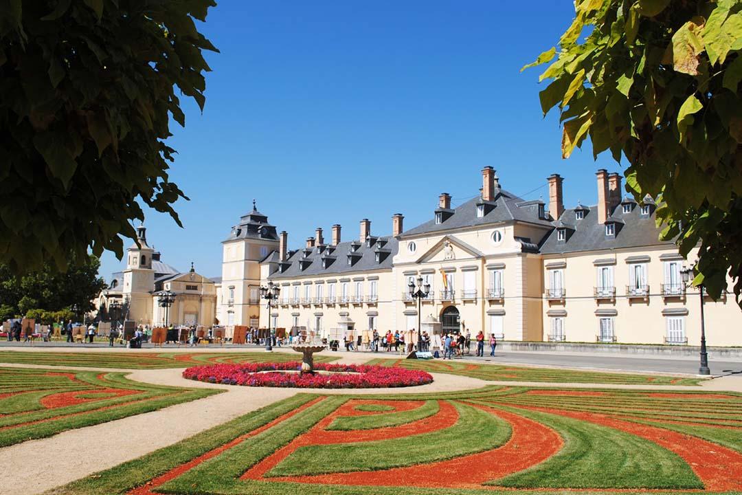 Palacio real de el pardo gomadridpride for Piscina el pardo